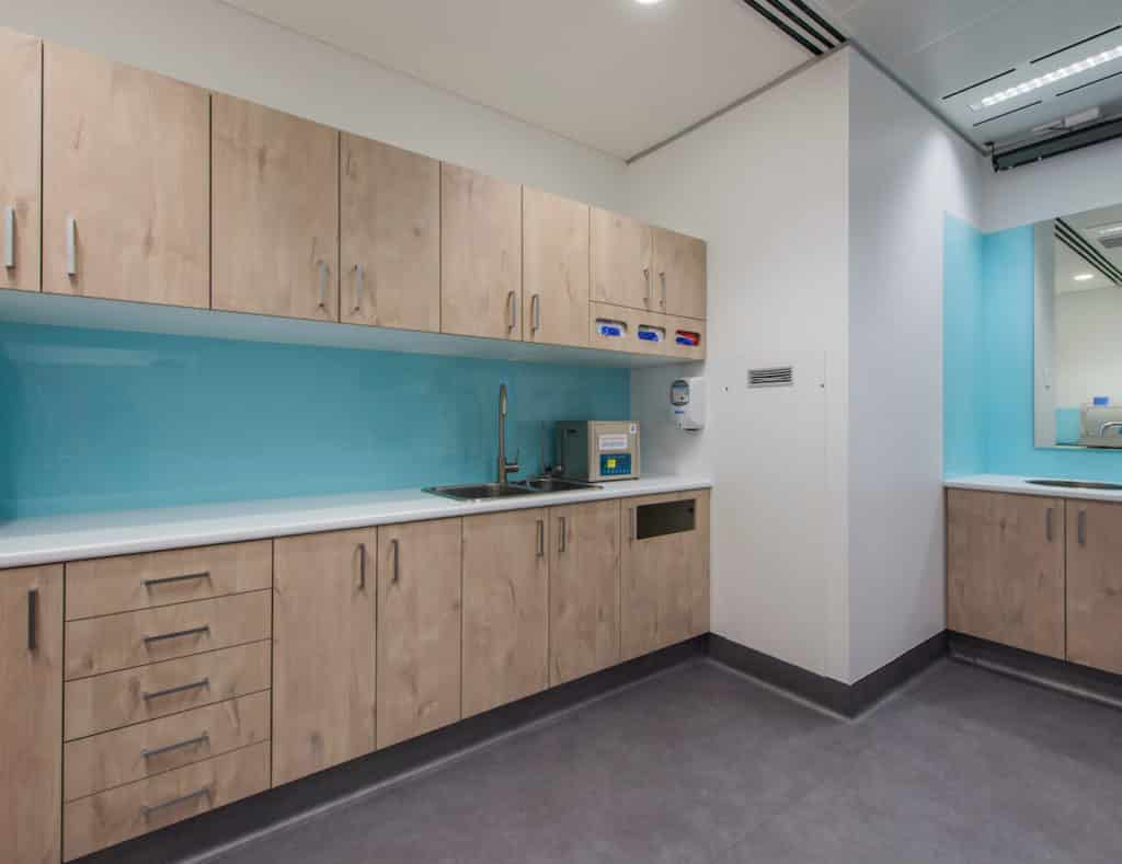 MOM dental clinic fitout
