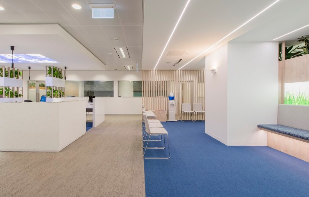 Light and fresh dental clinic design