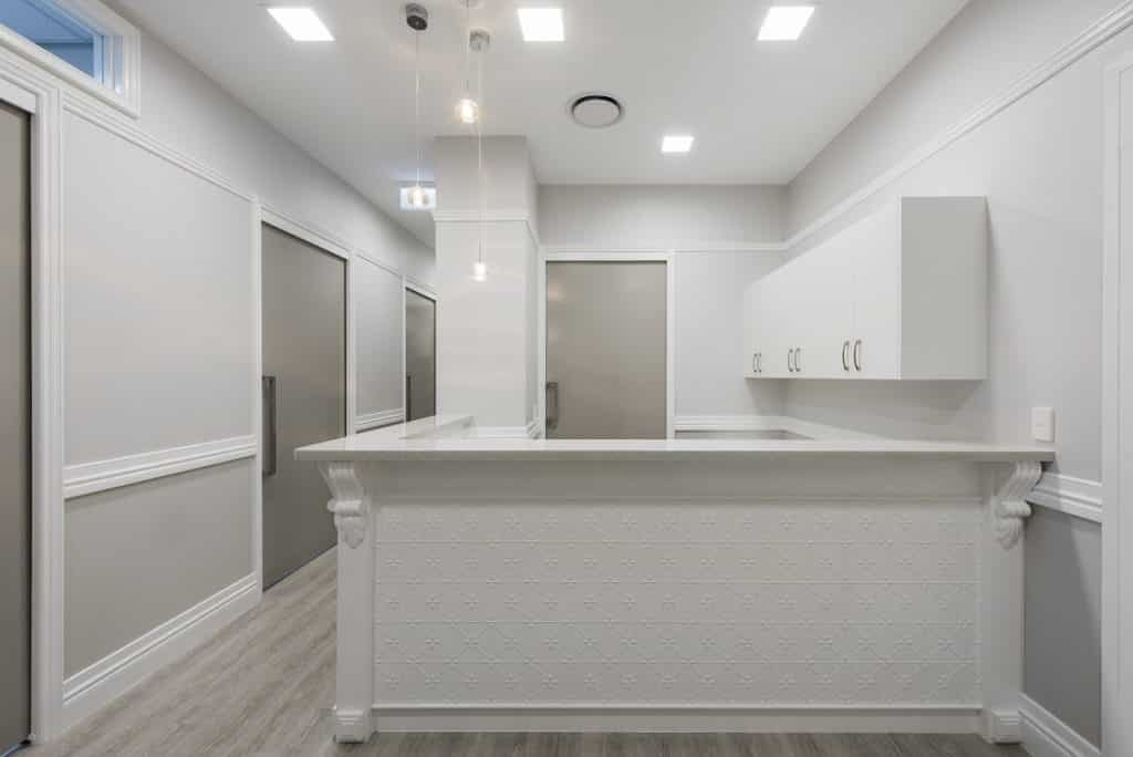 Dental practice with a white colour scheme