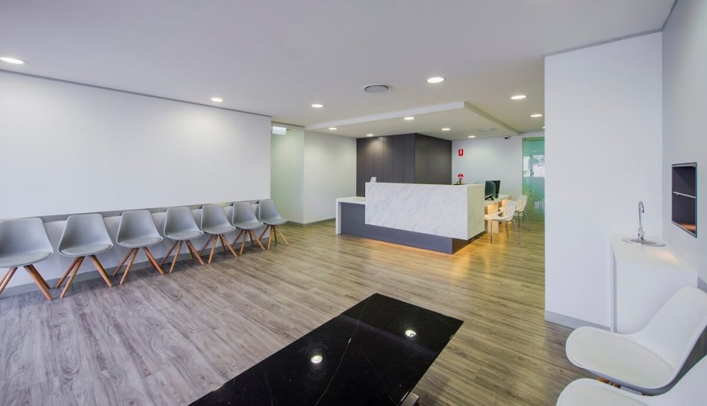 Larger dental clinic layout reception