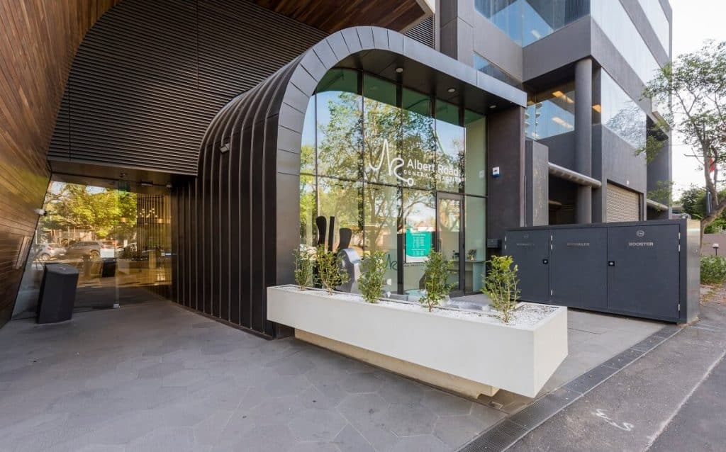 Inner-city medical practice with streamlined function and flow