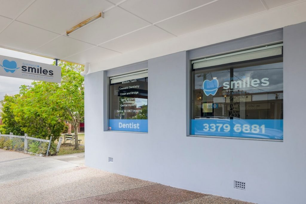 Dental healthcare clinic with clean signage ensuring good curb appeal